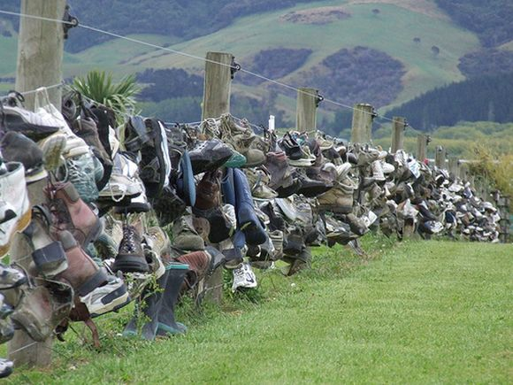 unusual shoe fence