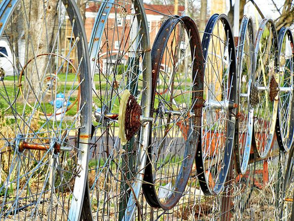 Fence made from bike wheels