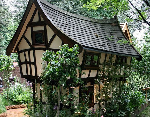 Fairy tale cottages for Cottage style roof design