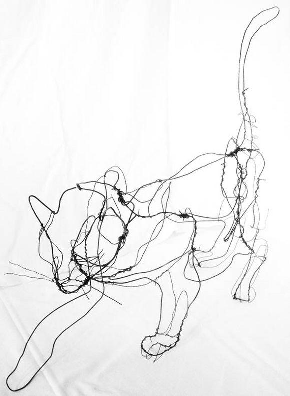 animal wire sculpture
