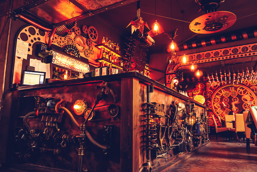 steampunk cafe in Romania called Enigma