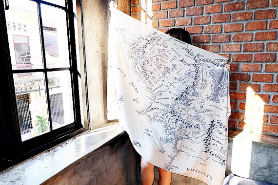 Map of Middle Earth The Lord of the Rings Scarf
