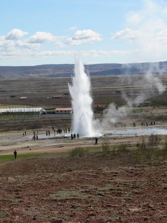 amazing geyser eruption