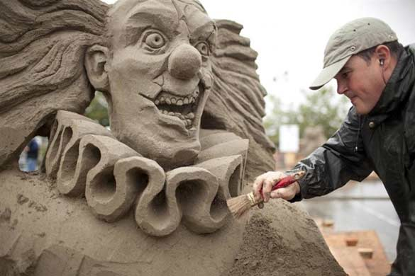 clown sand sculptures