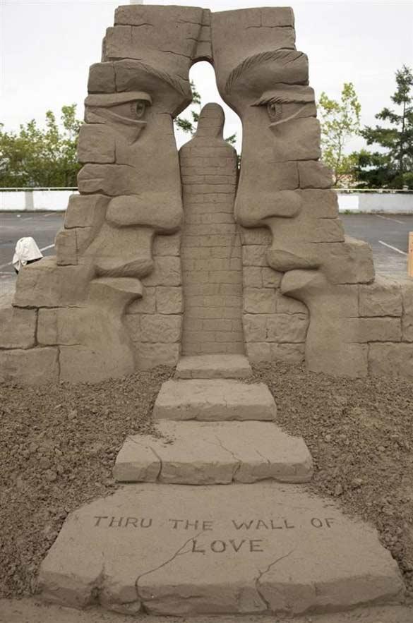 creating sand sculptures