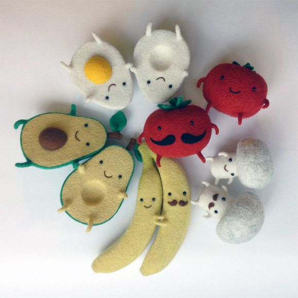 wool food friends by Hanna Dovhan